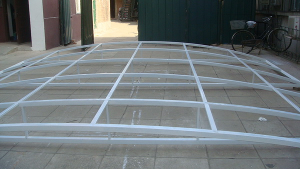 阳光板雨棚钢结构骨架